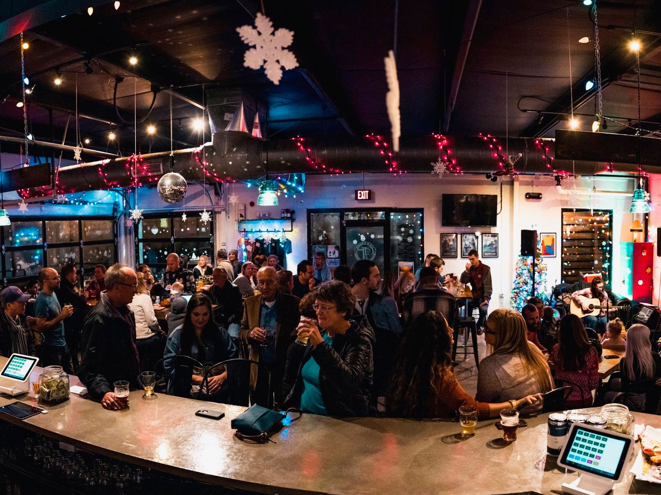 Tie & Timber has become a spot to hear live music and hang out in Rountree.