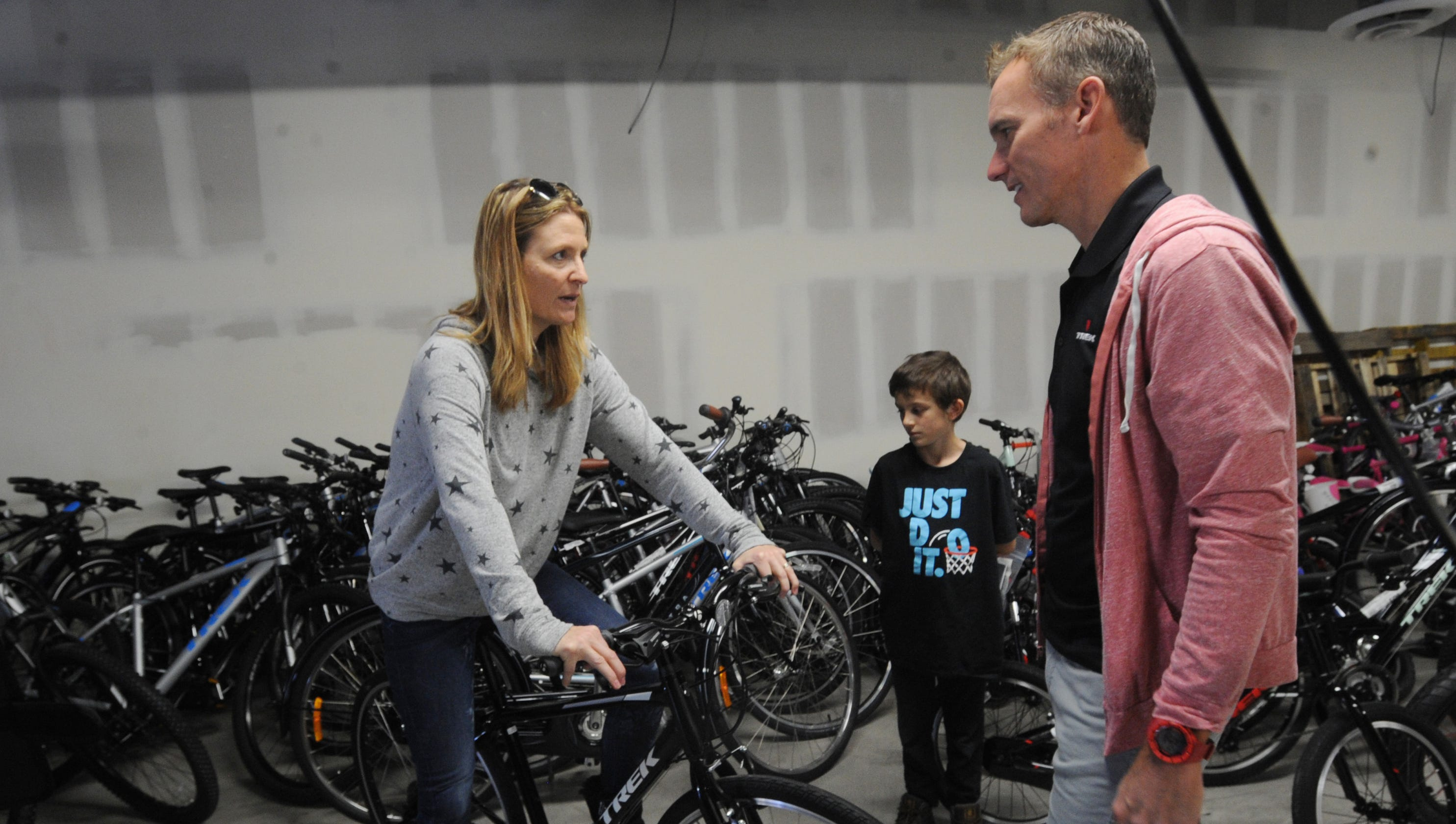 0e9073a946 Conejo Valley cycling shop organizes bike donation for Woolsey Fire victims