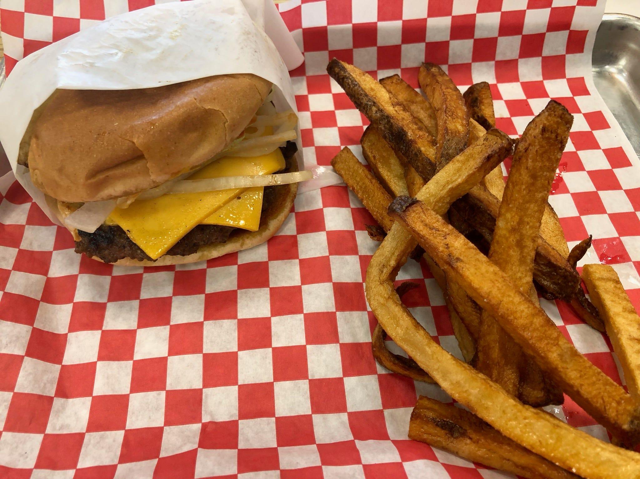 Homestyle Angus burger at Angus Burger.