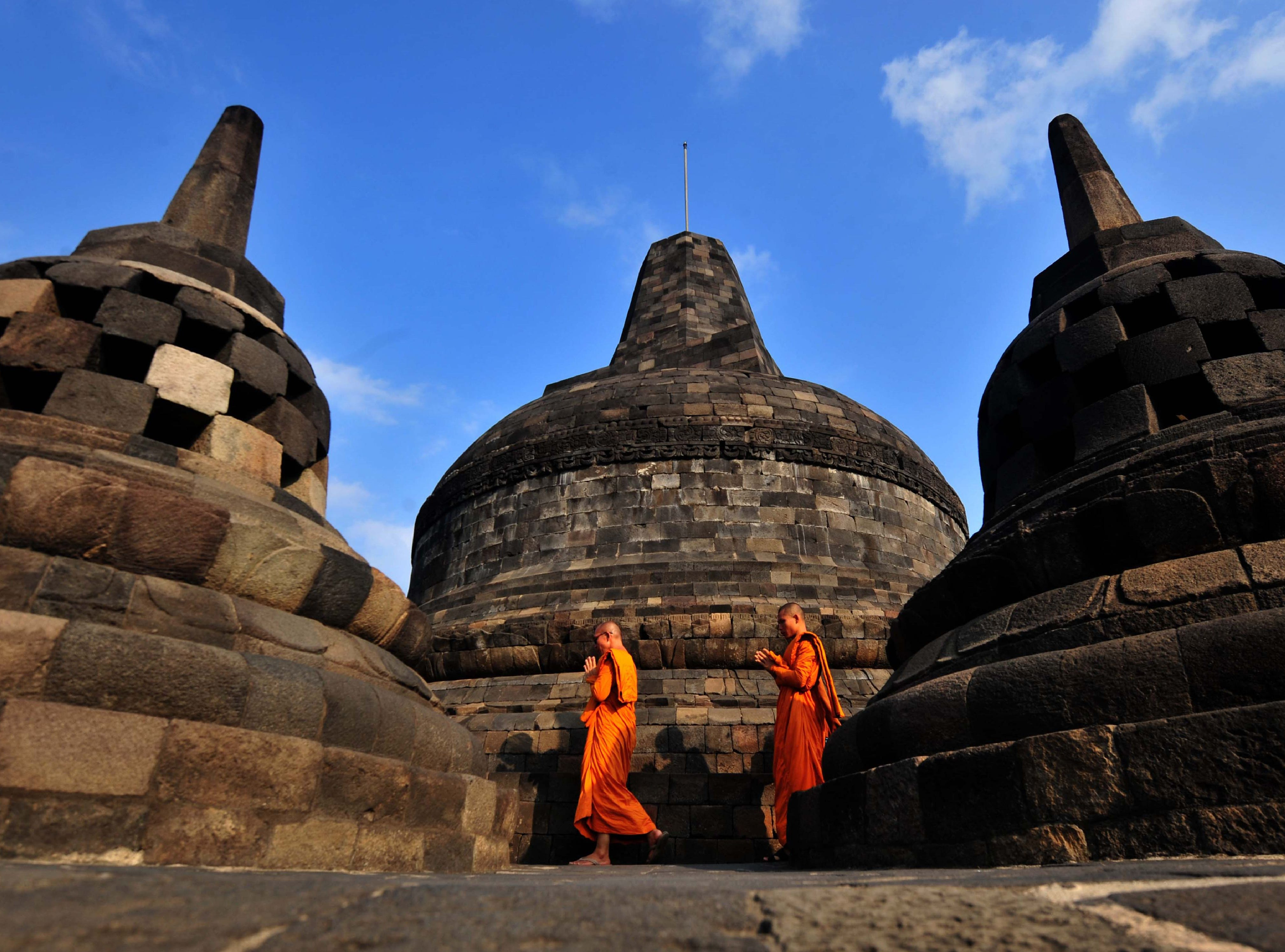May 29, 2018: Buddhist monks conduct prayers at Borobudur temple during Vesak day in Magelang on. Buddhist devotees in Indonesia celebrated Vesak Day on May 29 to mark the birth, enlightenment, and death of Buddha.