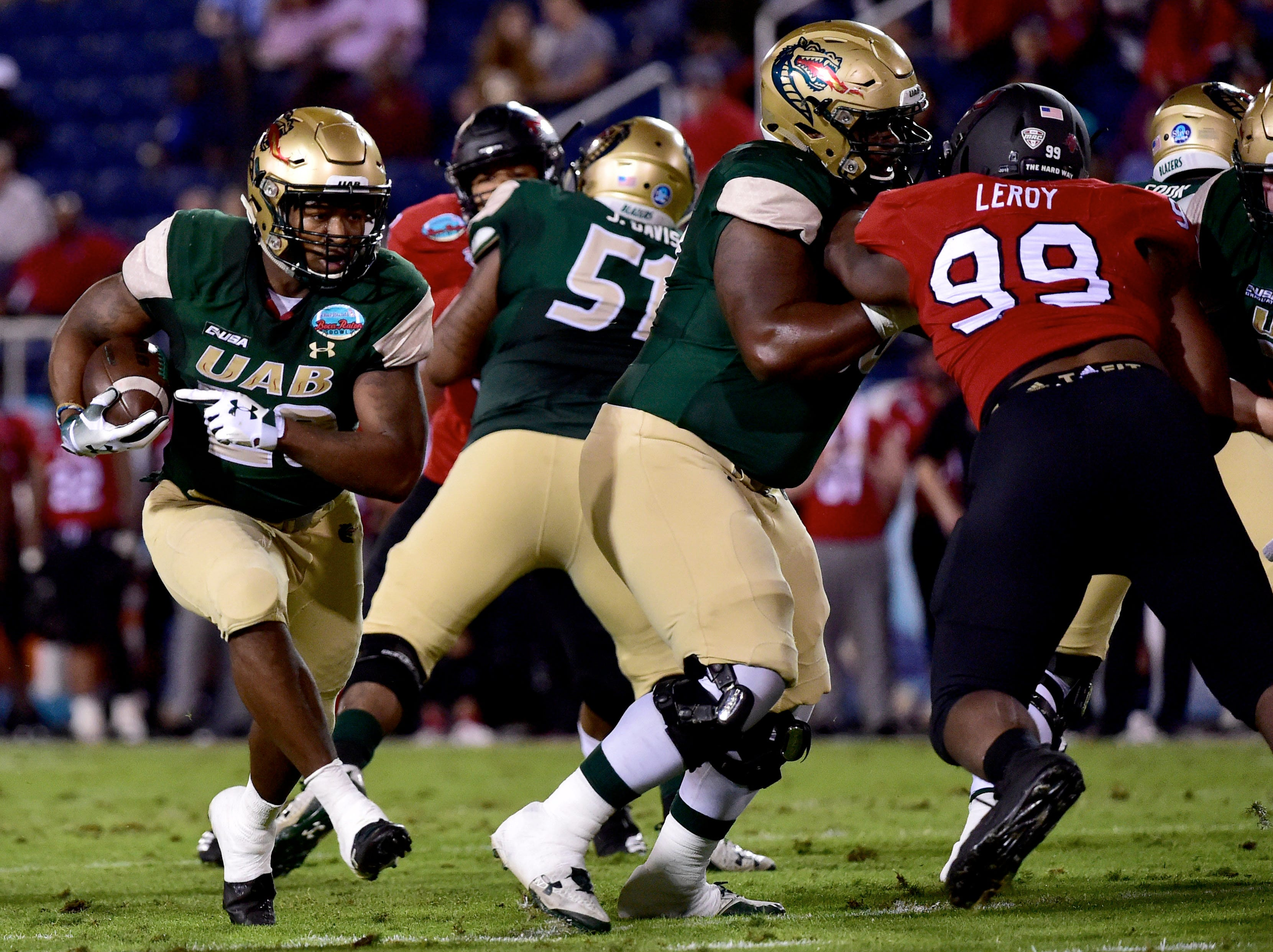 UAB Blazers running back Spencer Brown (28) carries the ball against the Northern Illinois Huskies in the Boca Raton Bowl.