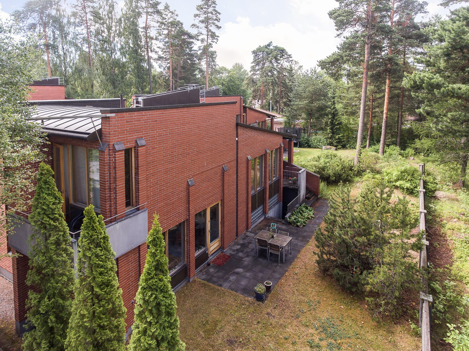 This $1.6 million house in Helsinki, Finland, has high ceilings, three bedrooms, and a spa and sauna.
