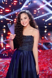 Chevel Shepherd, a 16-year-old New Mexico, with three other finalists on Tuesday in season 15, joined the final of
