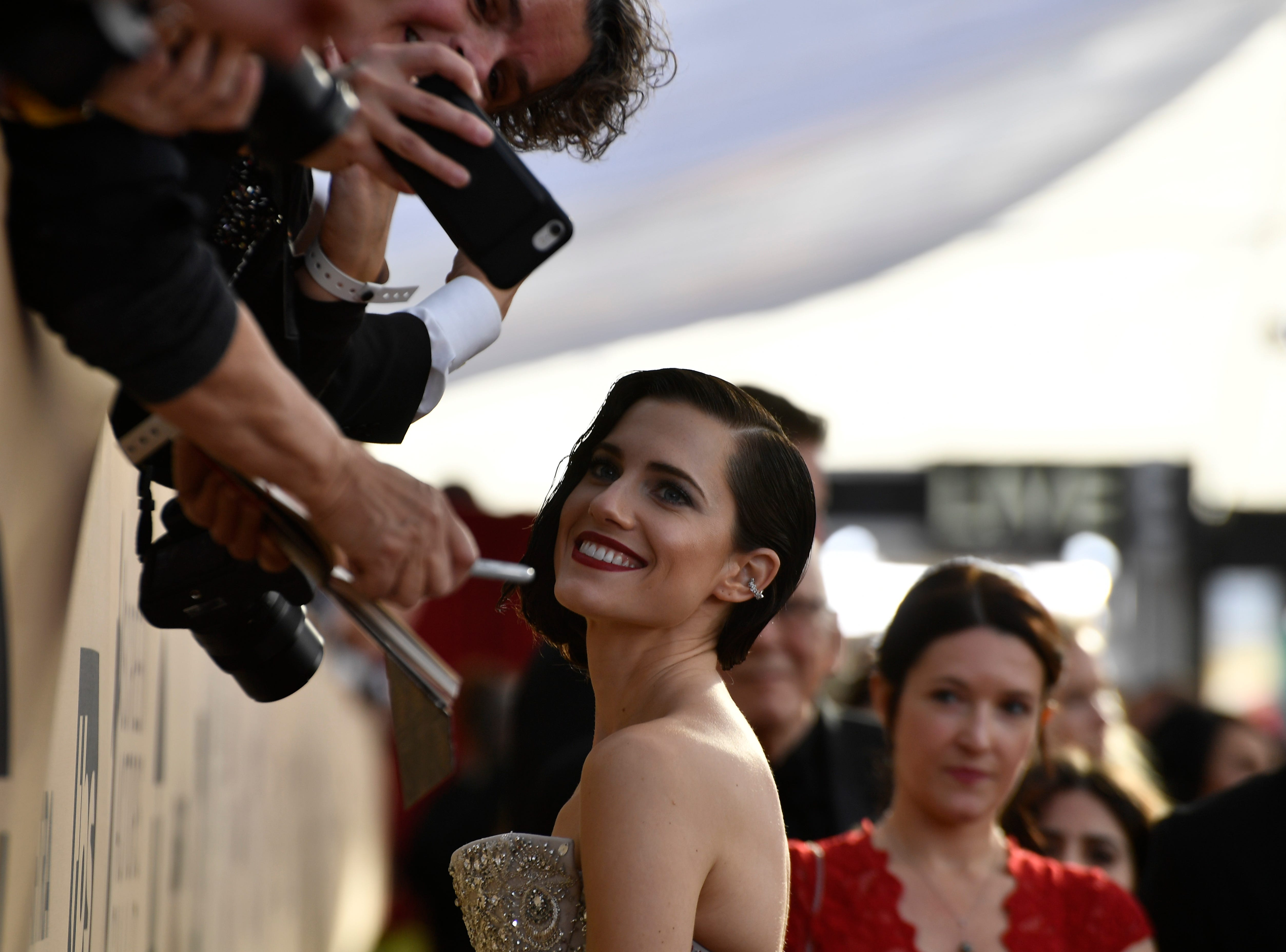 Jan. 21, 2018: Allison Williams poses with fans at the 24th Annual Screen Actors Guild Awards at the Shrine Auditorium in Los Angeles.