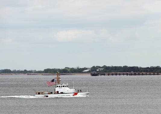 U S Coast Guard Cutter Shrike Leads New York City S Fleet Week 2018 Parade Of Ships