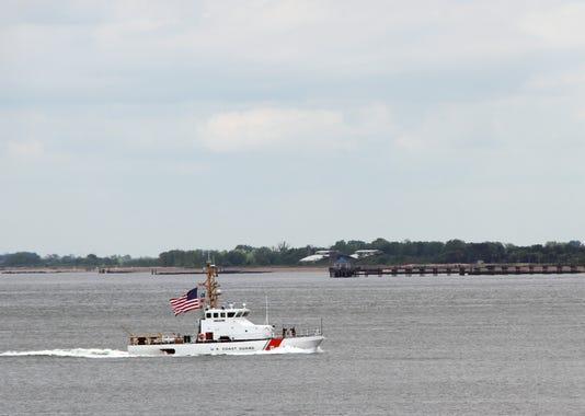 U S Coast Guard Cutter Shrike Leads New York City S Fleet Week 2018 Parade Of Ships