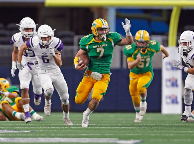 New Deal's Jett Whitfield (7) runs with the ball during the 2A division I state championship game against Mason, Thursday, Dec. 20, 2018, at AT&T Stadium in Arlington.
