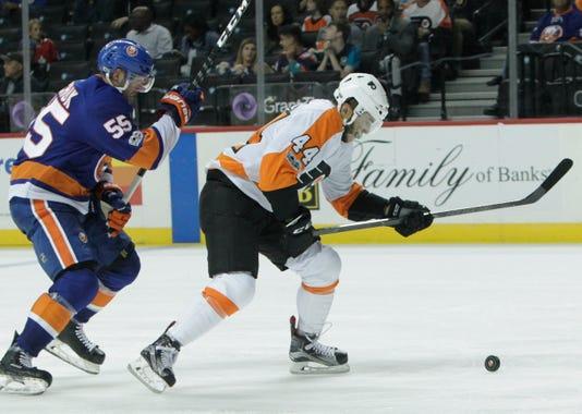 Nhl Philadelphia Flyers At New York Islanders