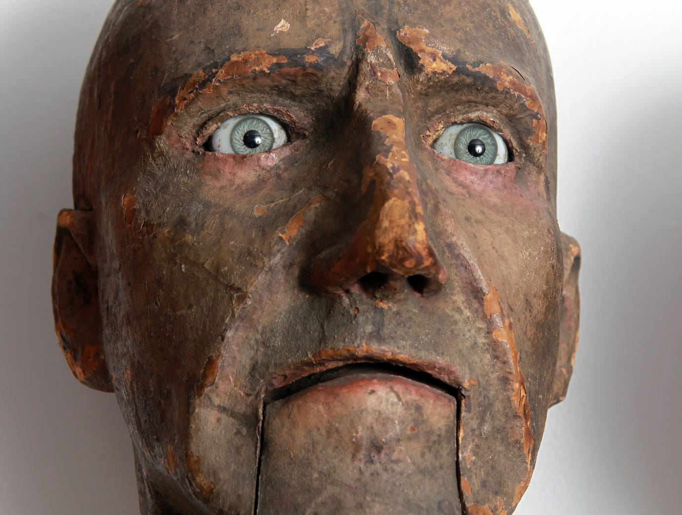 A Goldston Head, made of papier mâché and dating to the 1820s, is one of the museum's oldest pieces. It has glass eyes.