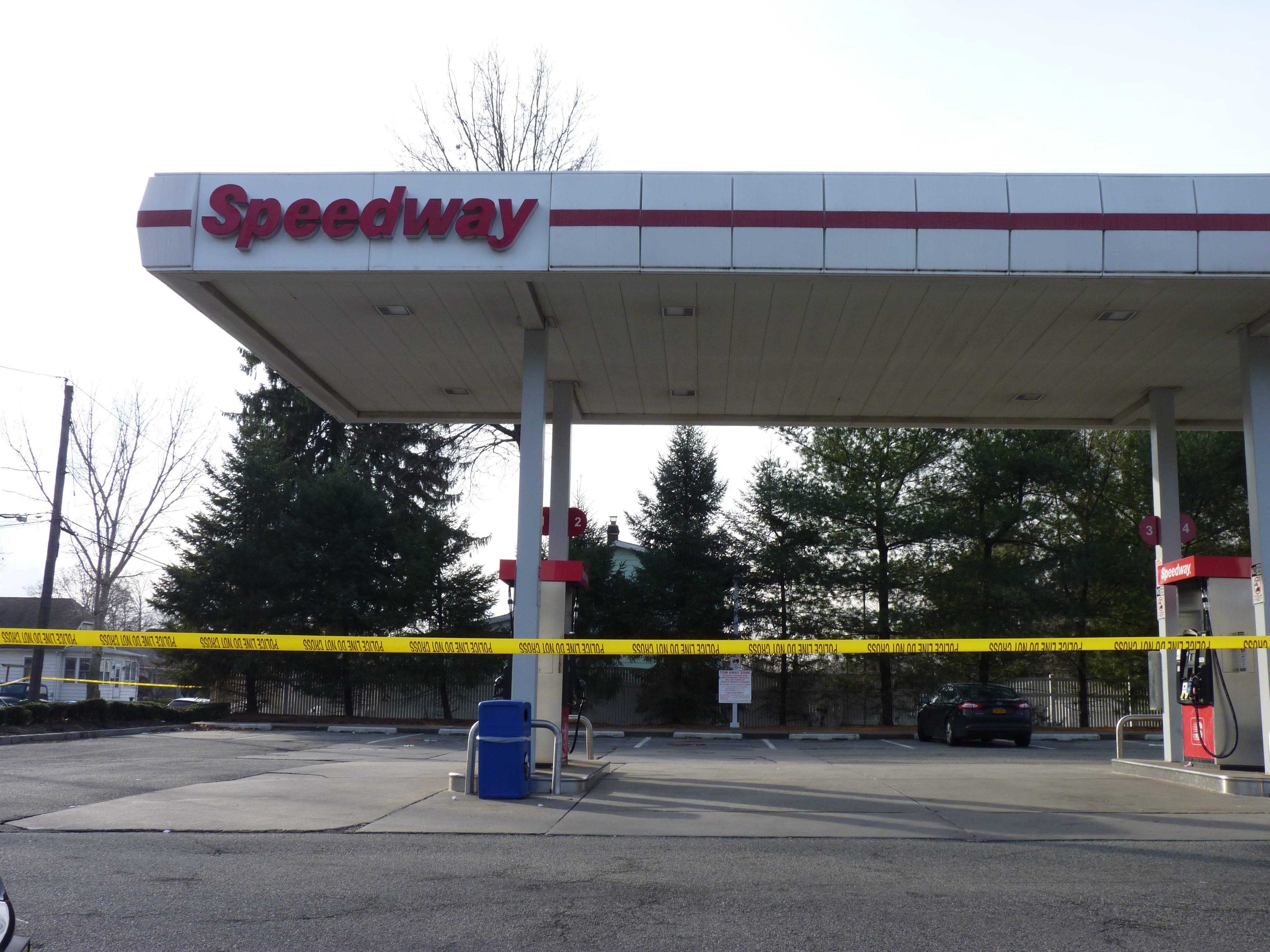 The scene of the Edison gas station murder on Thursday, Dec. 20.