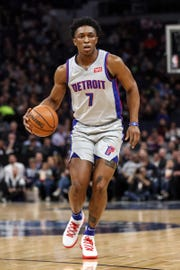 Detroit Pistons forward Stanley Johnson dribbles during the second quarter against the Minnesota Timberwolves at Target Center, Dec. 19, 2018.