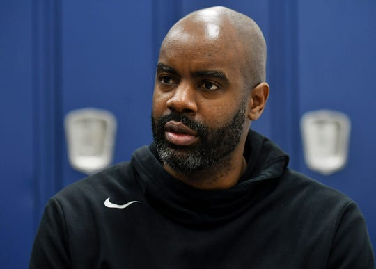 E.J. Bates, father of Emoni Bates, talks about Emoni's work ethic and his future after basketball practice at Lincoln High School in Ypsilanti on Sunday.