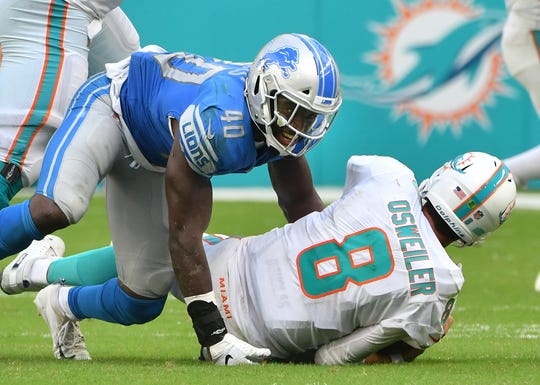 Middle linebacker Jarrad Davis has battled consistency issues in his second season in Detroit.