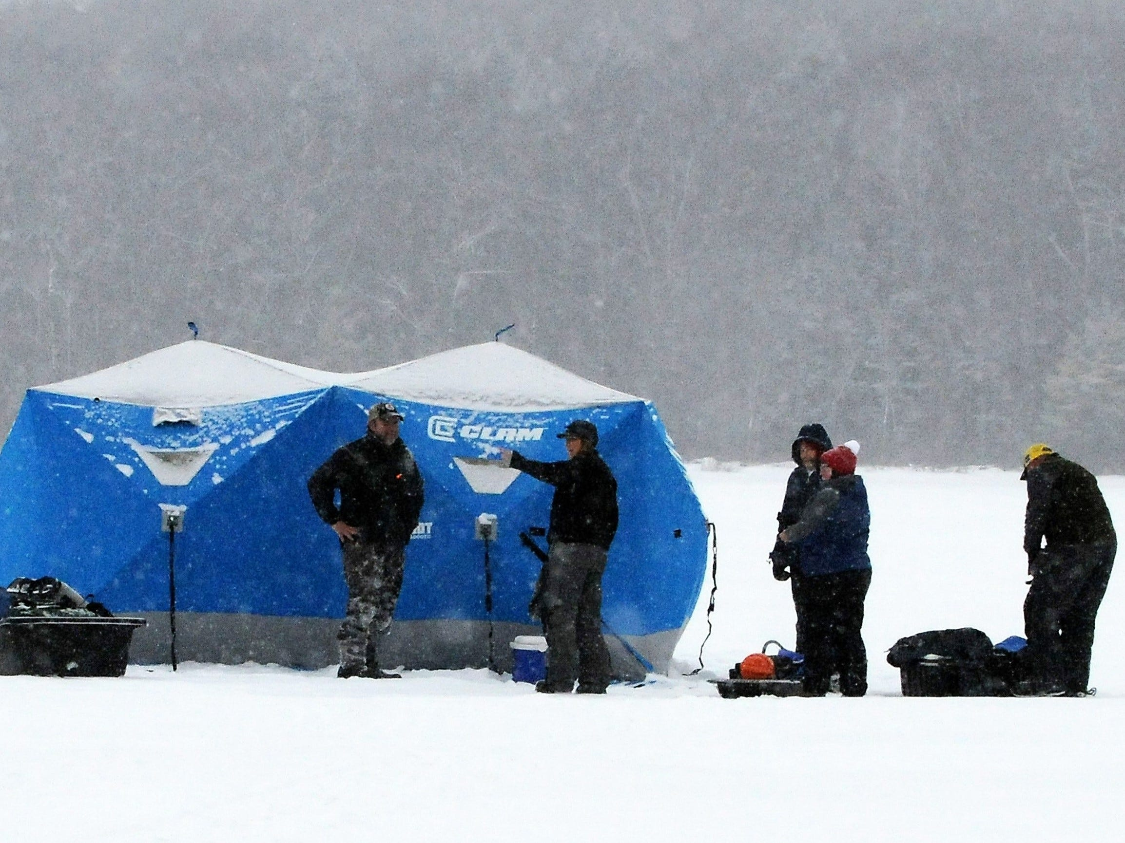 Hard water fans gear up for ice fishing
