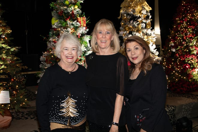 Event Co-Chairs and ACT for MS President. L-R:  Suz Hunt, Margot Nelligan, Linda Williamson