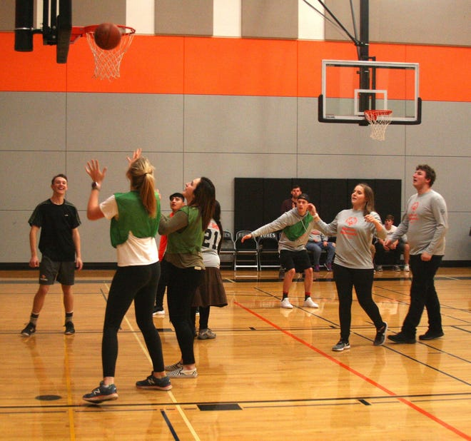 Members of the Silverton Unified basketball team scrimmage.