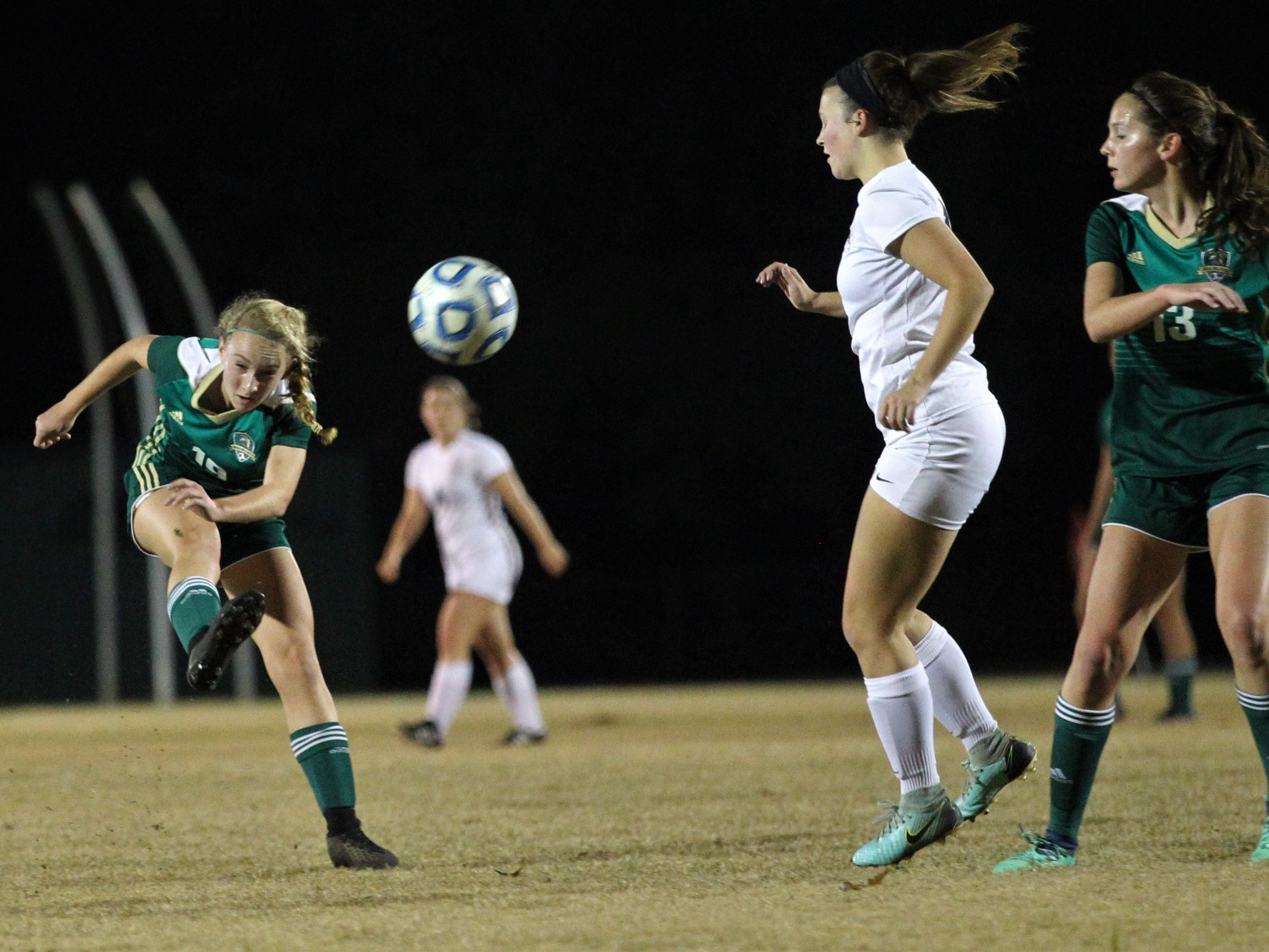Lincoln's Lexi Gray takes a shot, but Leon beat Lincoln 2-1 on Monday, Dec. 17, 2018.