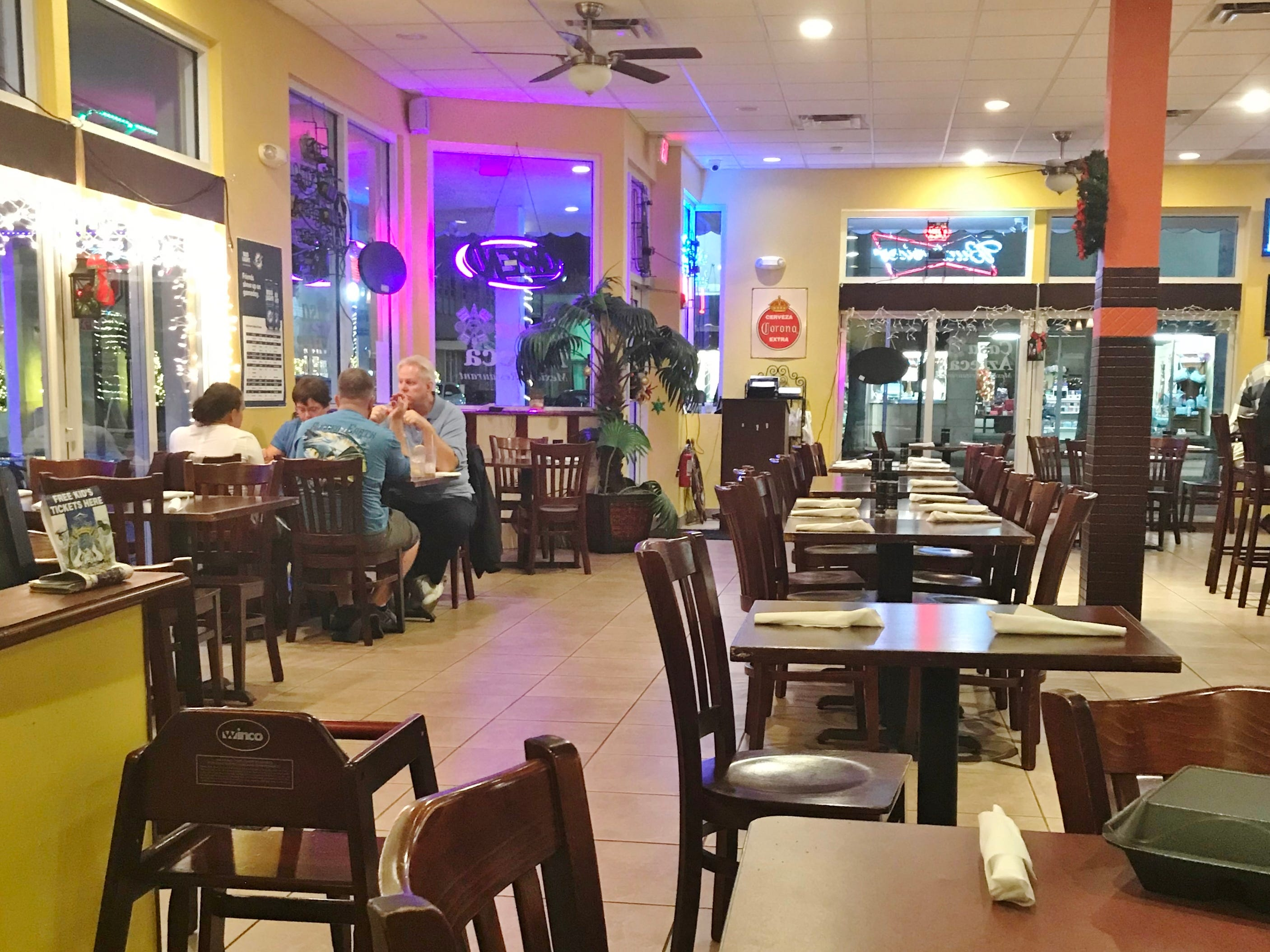 Another view of Casa Azteca's dining room.