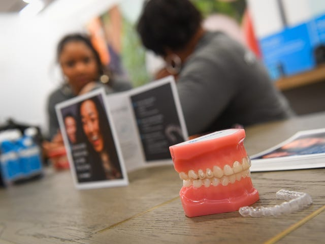 Invisalign, SmileDirectClub lead no-braces teeth-straightening boom
