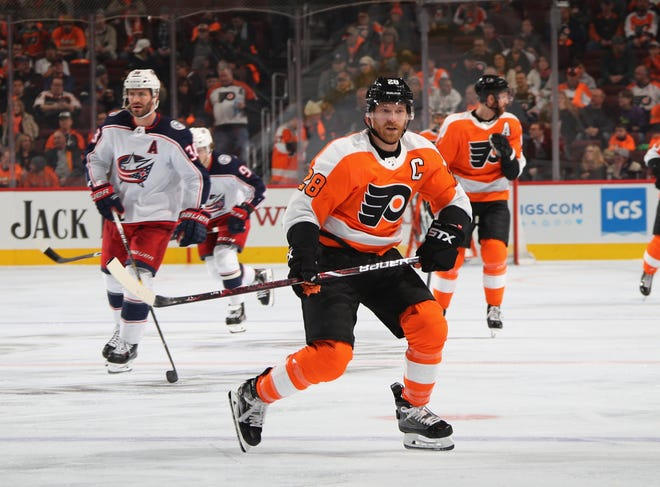 Claude Giroux has retaken his title as first-line center for the Flyers. Last season he played left wing for the first time in his career.