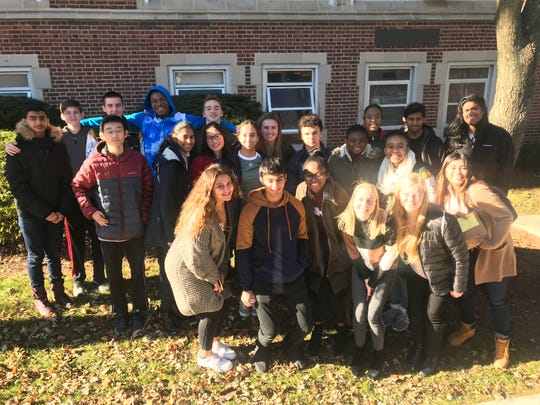 The Wardlaw+Hartridge students gather for a group photo
