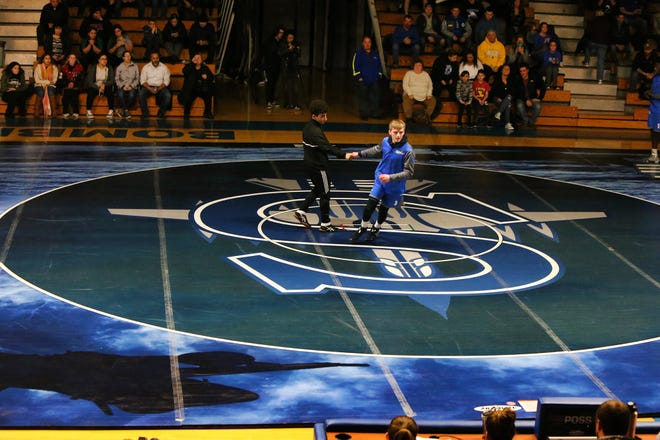 Woodbridge wrestles at Sayreville on the Bombers' new mat