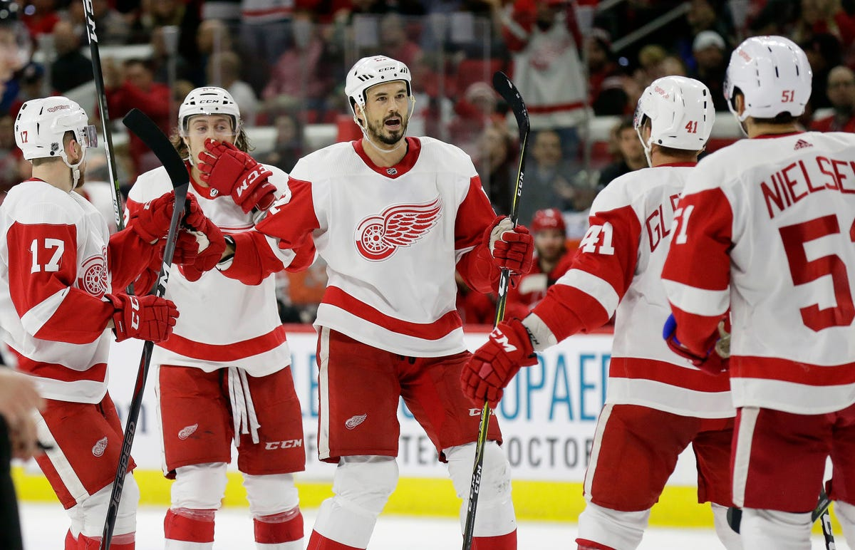 Detroit Red Wings Lose To Florida Panthers 2 1