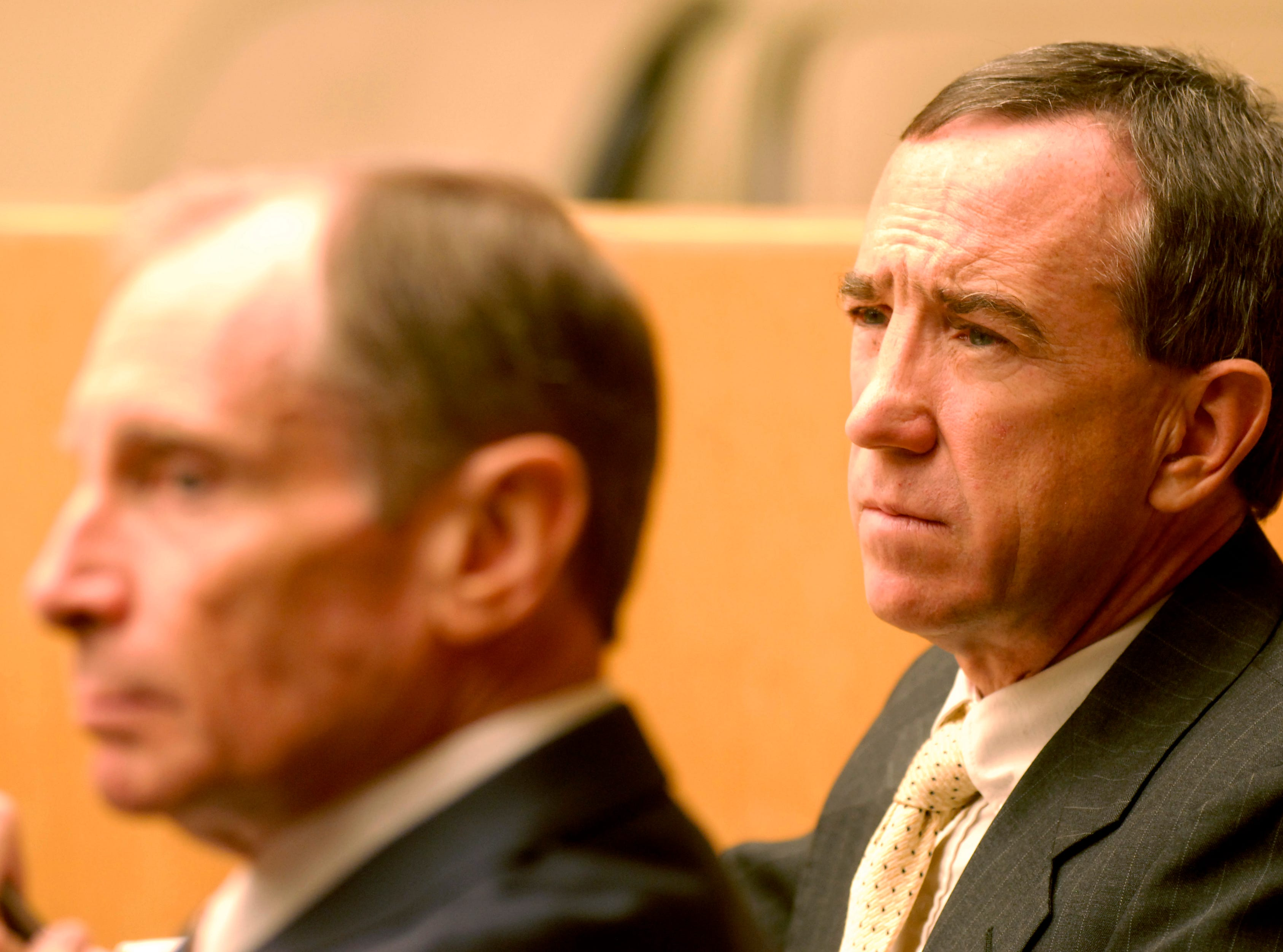News Sentinel editor Jack McElroy, right, listens with attorney Rick Hollow during Tuesday's proceedings where Chancellor Daryl Fansler rejected Knox County's request to toss out McElroy's lawsuit against County Commission, alleging it violated the Tennessee Open Meetings Act. 8/14/2007