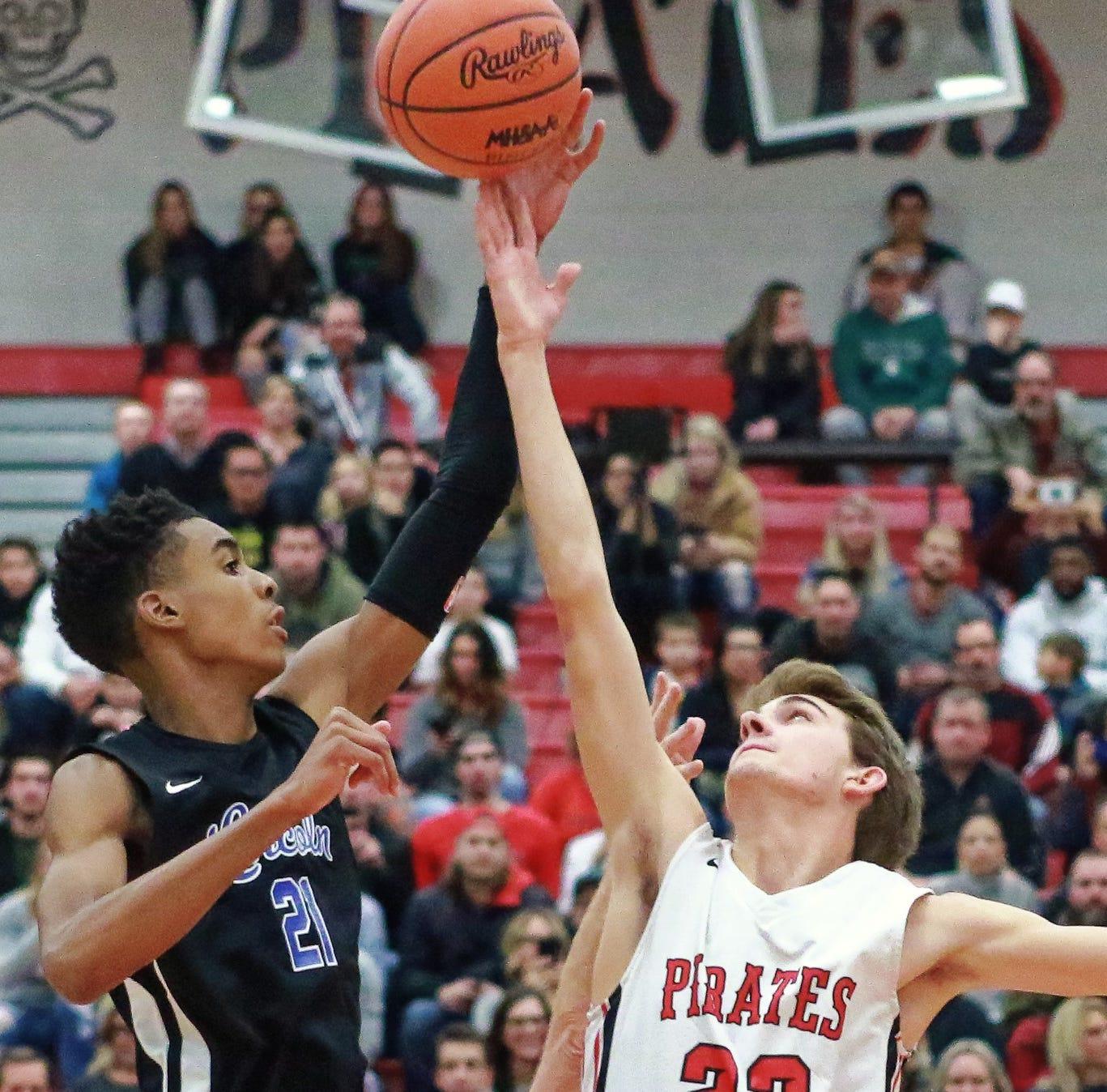 Here's how Emoni Bates became best freshman basketball player in U.S.