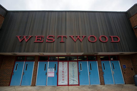 Memphis police responded to a report of a fight involving hundreds of people at Westwood High School.