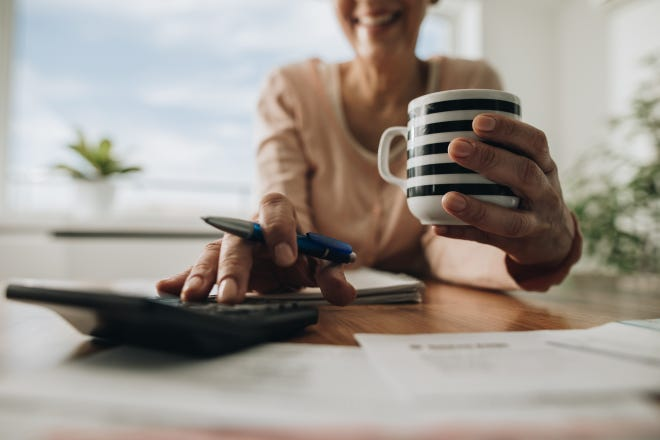 These tips can help women stay ahead of retirement planning.