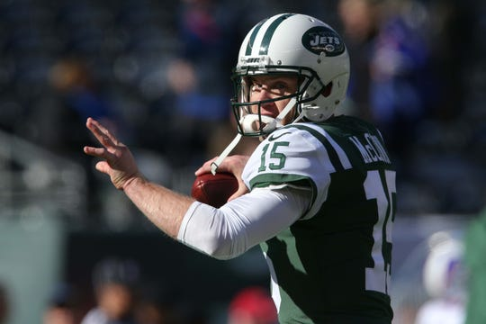 Nov 11, 2018; East Rutherford, NJ, USA; New York Jets quarterback Josh McCown (15) warms up before a game against the Buffalo Bills at MetLife Stadium.