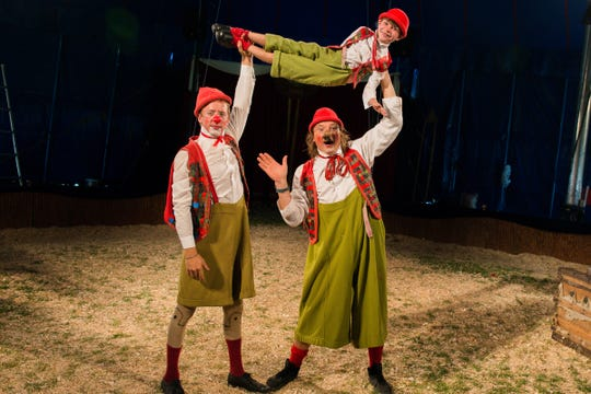Zoppe: An Italian Family Circus has traditional acts such as clowns.