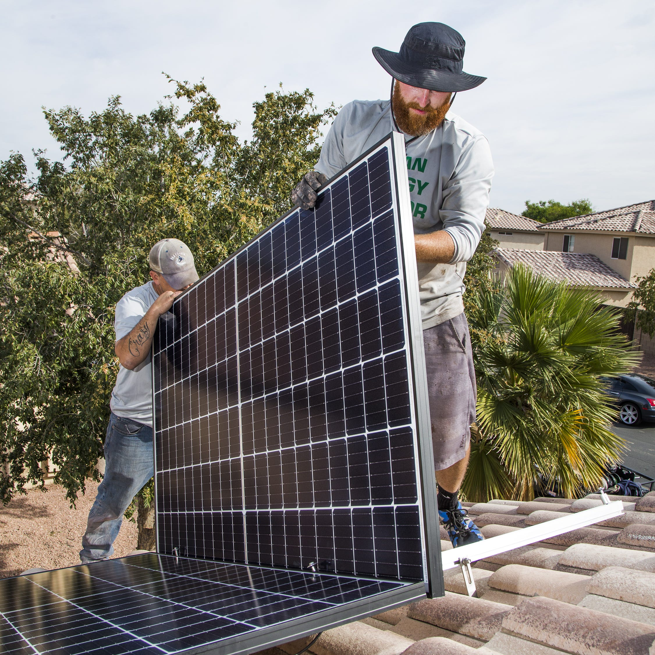 SRP looks at another solar rate alternative, but new proposal doesn't appease critics