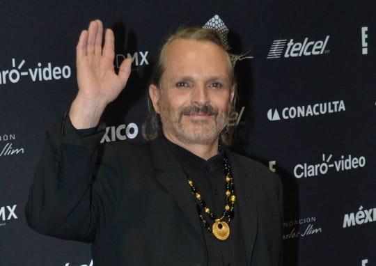 Miguel Bosé se separó de  Nacho Palau, luego de 26 años de relación.
