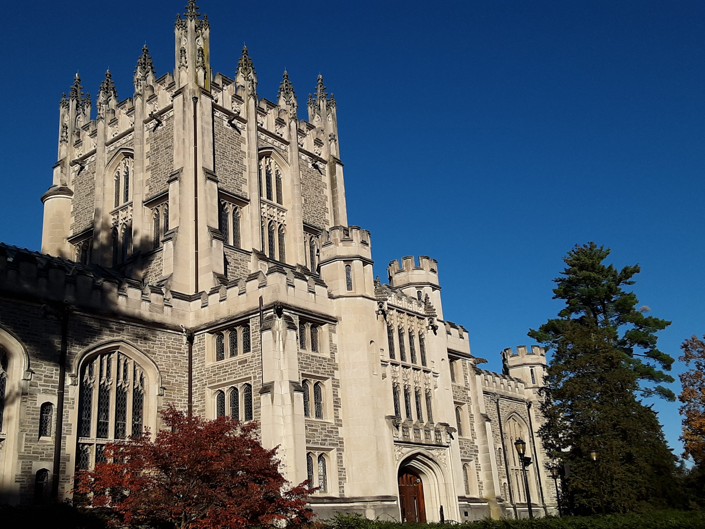 Vassar College Library in morning light with clear blue sky @jimberetta2