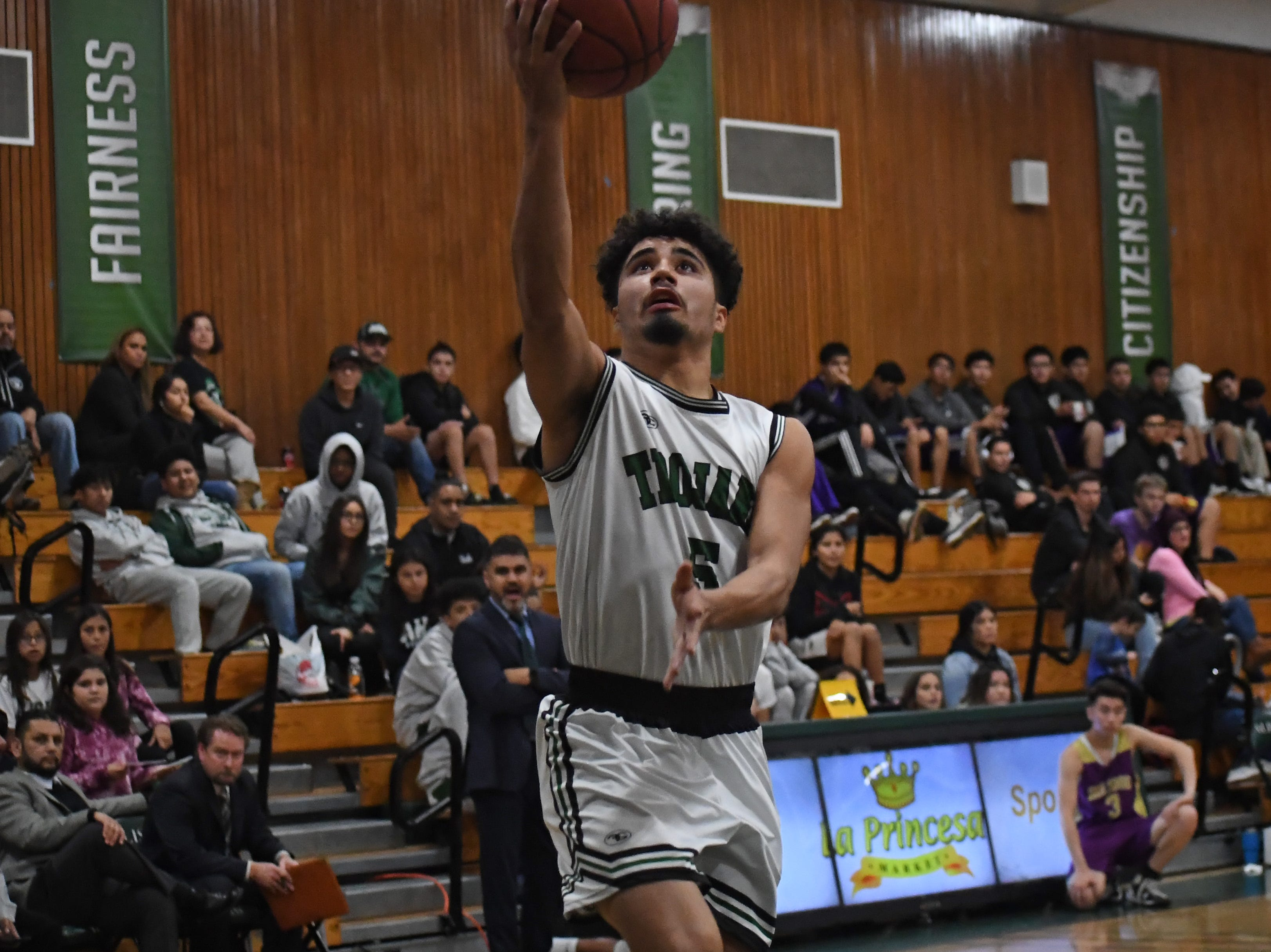 Alisal forward Israel Corona (5) rises up for a layup.