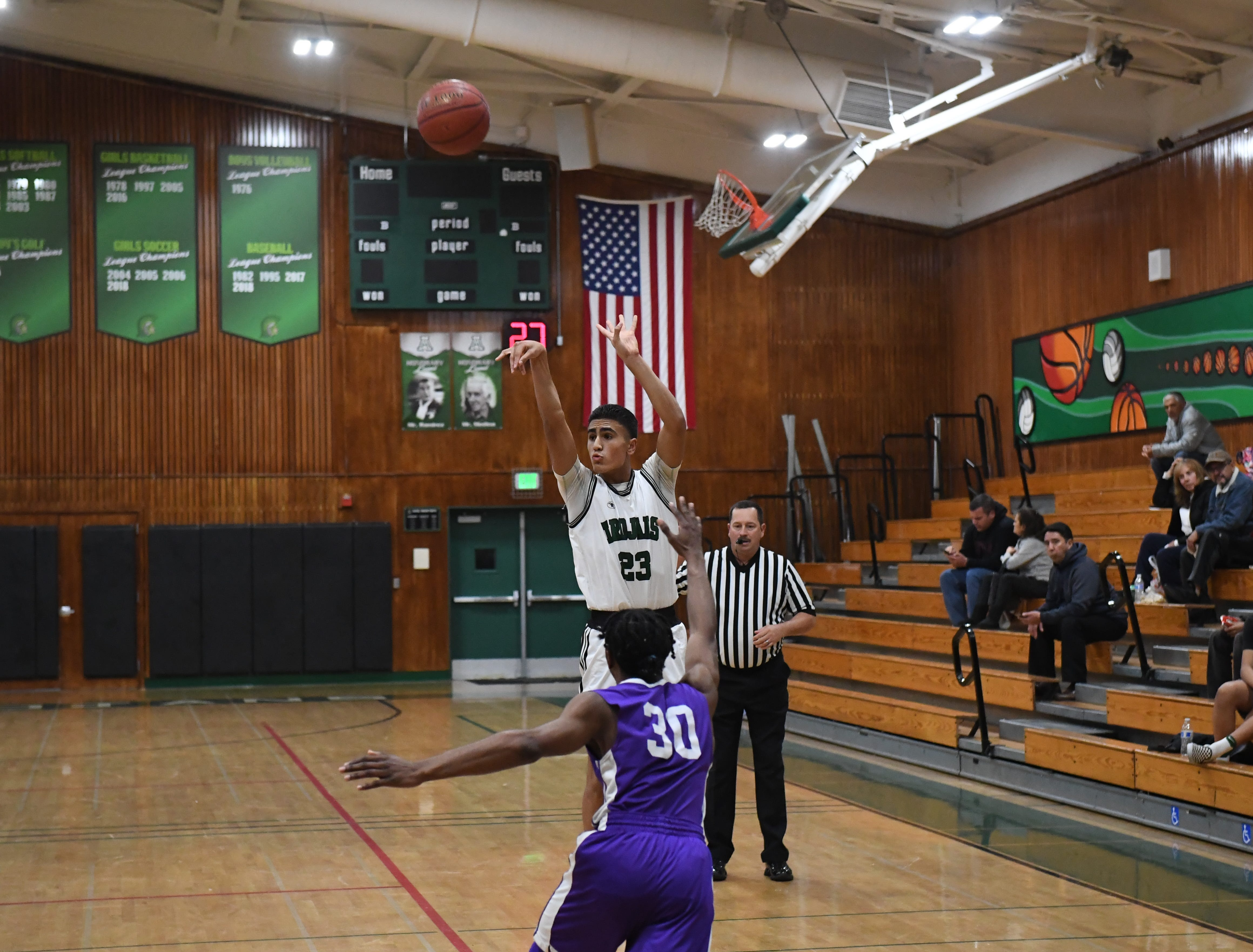Alisal guard Josue Gil-Silva (23) knocks down a 3-point shot.