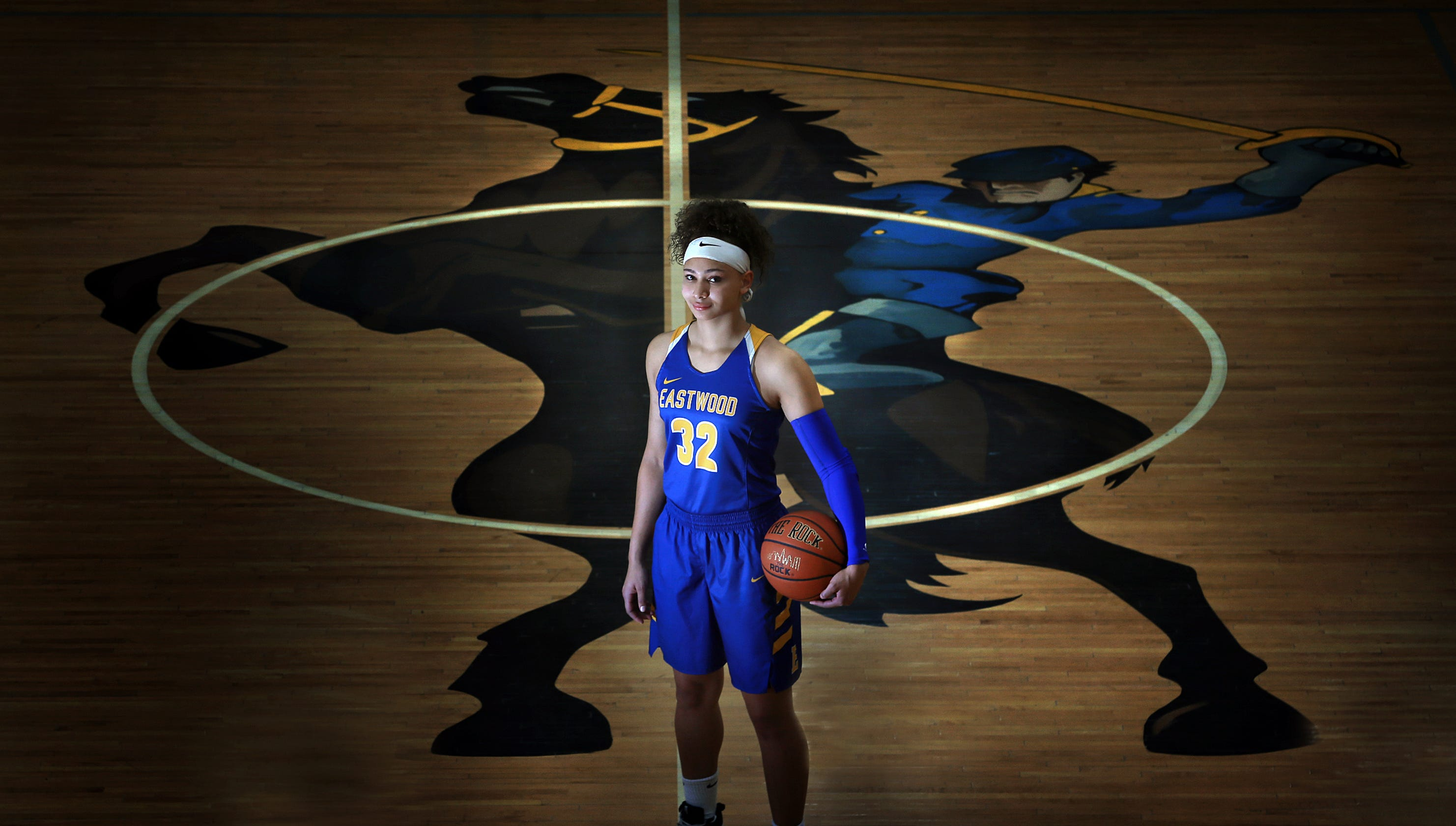eastwood s kayleigh walton stays positive in tough family situation
