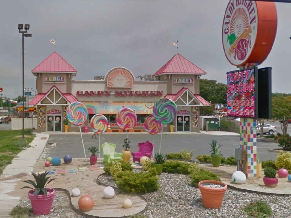 Delaware: There are many Candy Kitchens in Delaware, but the one on the Coastal Highway in Rehoboth Beach qualifies as a fun roadside attraction with its larger-than-life lollipop garden and seating area.