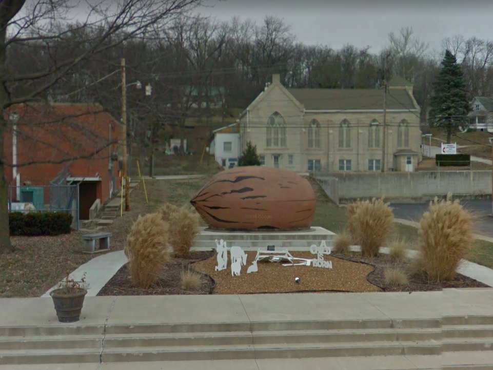 Missouri: Standing roundly next to City Hall in Brunswick (the state's pecan capital) is this enormous pecan sculpture.