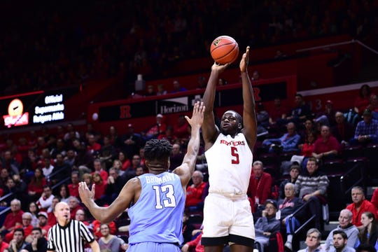 Rutgers' Eugene Omoruyi attempts a first-half jumper against Columbia on Saturday