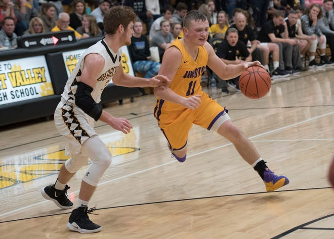 Unioto defeated Fairfield Unioto 63-49 on Saturday as Isaac Little scored 28 points for the Shermans.