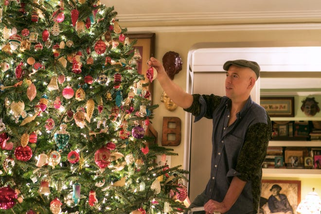 When it comes to decorating Christmas trees, interior designer and author Bob Richter steps up to the holiday tradition with 20 trees to showcase his vintage ornament collection, which he has lovingly gathered since childhood.