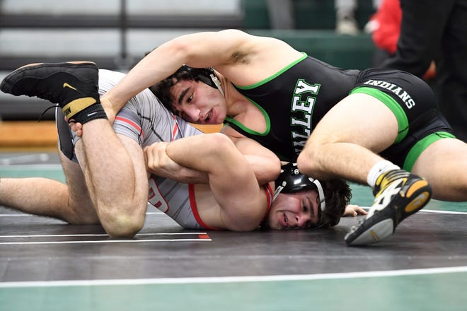 Emerson/Park Ridge wrestling at Pascack Valley on Saturday, December 22, 2018. PV Matt Beyer on his way to defeating E/PR Jonah Schechtman in their 152 pound match.
