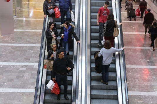 Shoppers Descend On Garden State Plaza To Buy Their Last Minute Christmas Gifts