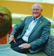College of Business alum Mike Rogers talks with New Mexico State University students about their plans after graduation.