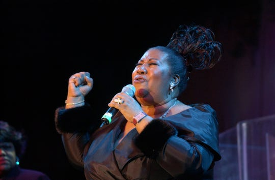 Aretha Franklin performs during Clive Davis' pre-Grammy Gala on Feb. 22, 2003, in New York City.