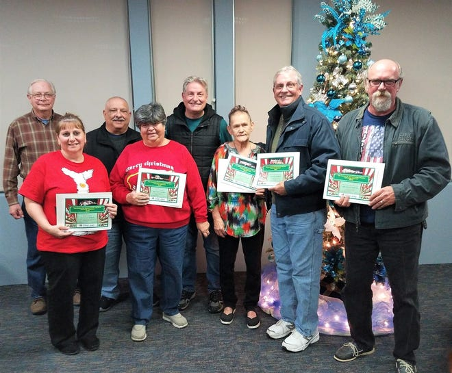 "(Front row, from left) Kathy Papalo, Carol Trimnell, Rosa Palmer, Mac Sockwell, and Gary Mazzone, winners of the 2018 David DiGiovacchino Holiday Lighting Contest, are joined by (back row, from left) Charles ""Buzzy"" Trimnell, City Council President Paul Spinelli, and Mark Sockwell."