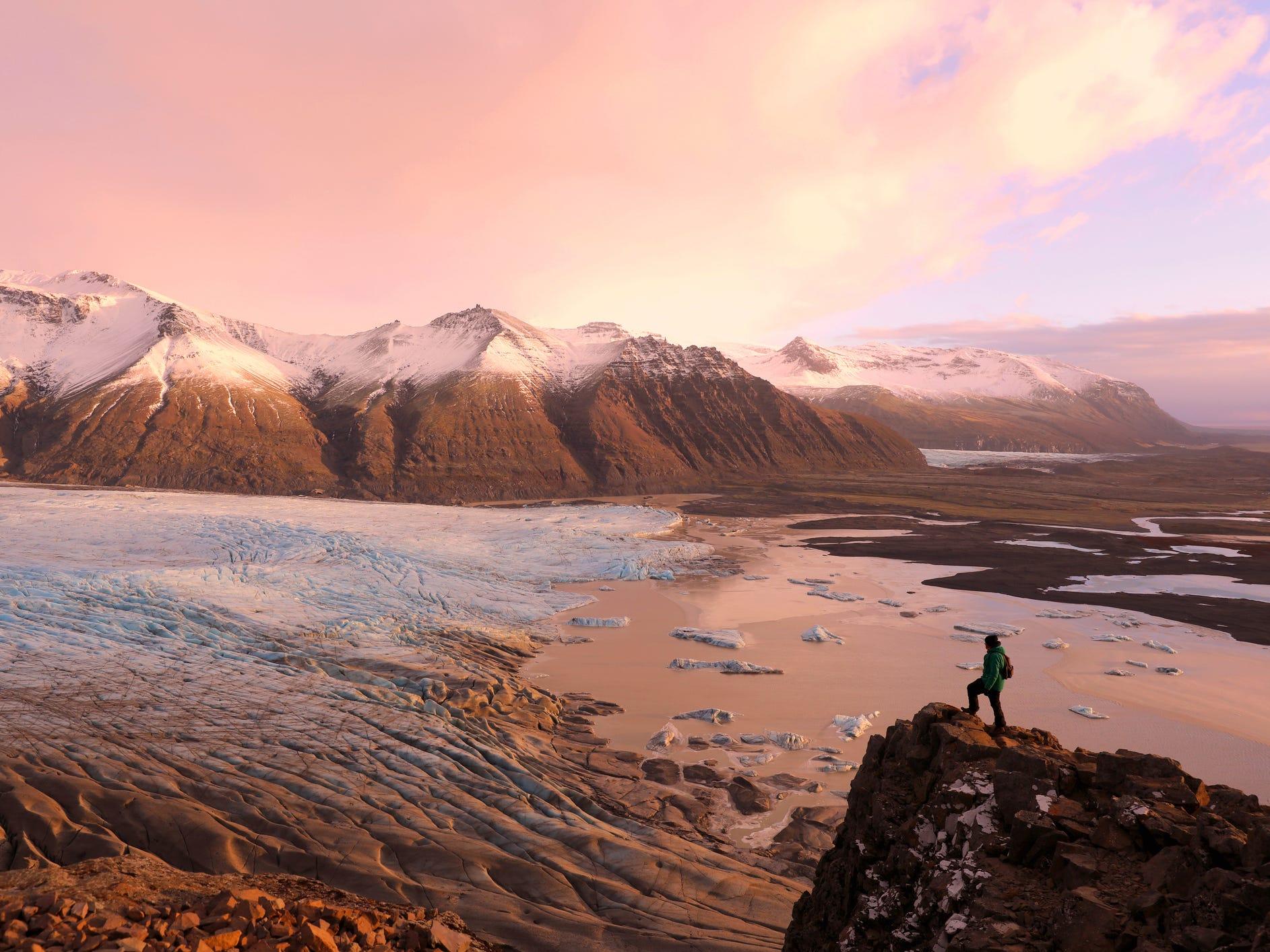 Skaftafellsjökull in Vatnajökull National Park, Iceland.